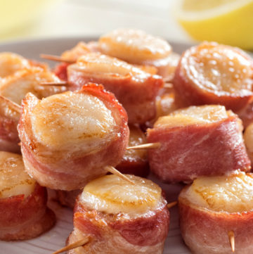 Bacon-Wrapped Scallops with Garlic Butter