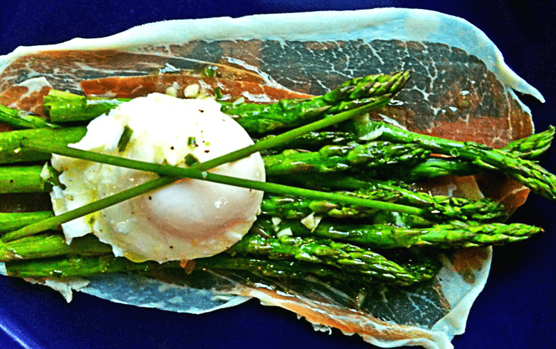 Asparagus Salad with Viniagrette