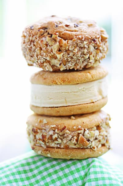 dulce le leche ice cream sandwich