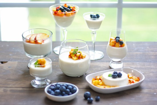 panna cotta with fresh peaches