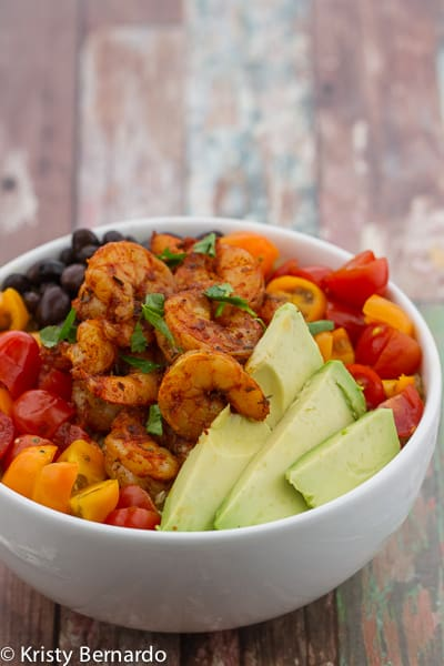 blackened shrimp bowls with salsa ranch quinoa