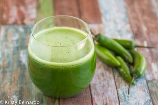 a spicy & super healthy green juice