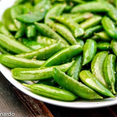 easy garlic snap peas | the wicked noodle