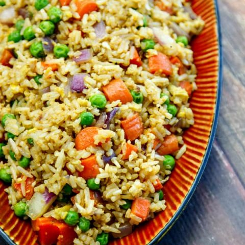 Don't throw away that leftover rice! Easy Fried Rice is so much better for you than takeout and a lot tastier, too! | the wicked noodle | #dinner #asian #cheapeats