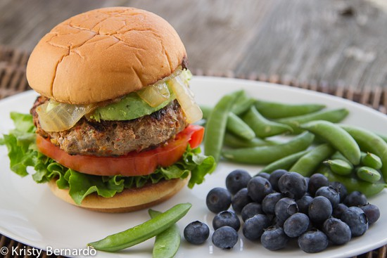 This is the Best Turkey Burger Recipe! Make juicy, healthy turkey burgers that everyone will love using a few simple tips and tricks.| www.thewickednoodle.com
