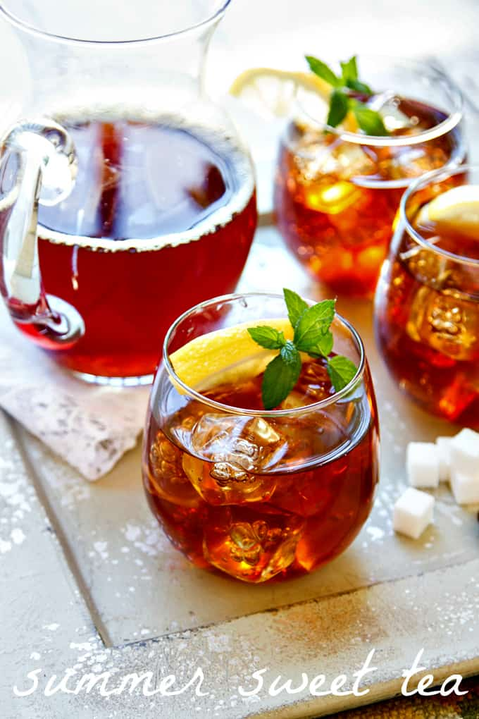an easy summer sweet tea recipe {and why you should always add a pinch of baking soda}