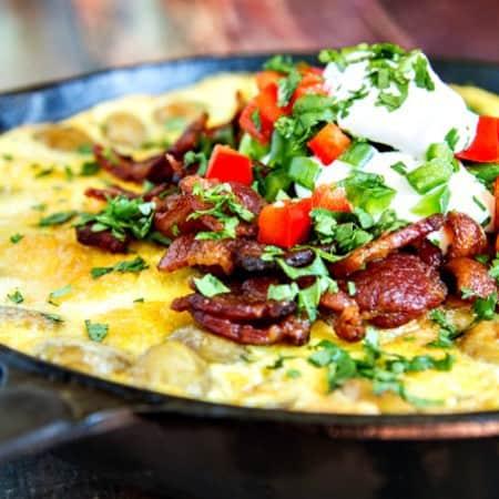 bacon, egg & crispy potato breakfast skillet {one-pan dish}