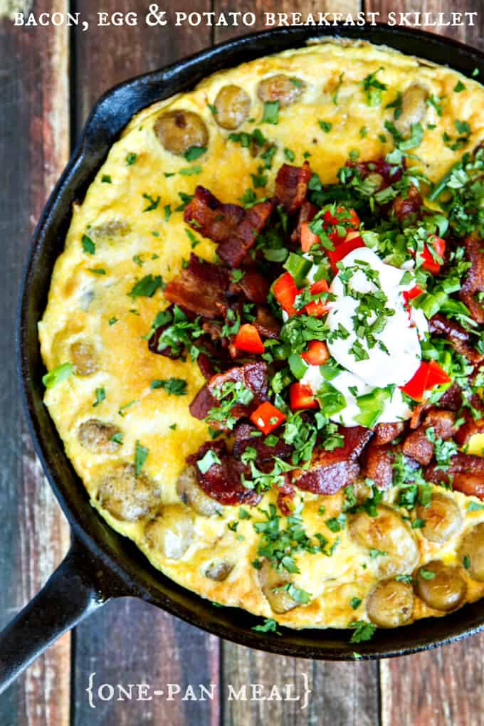 bacon, egg & potato breakfast skillet - a one-pan meal and super delicious!
