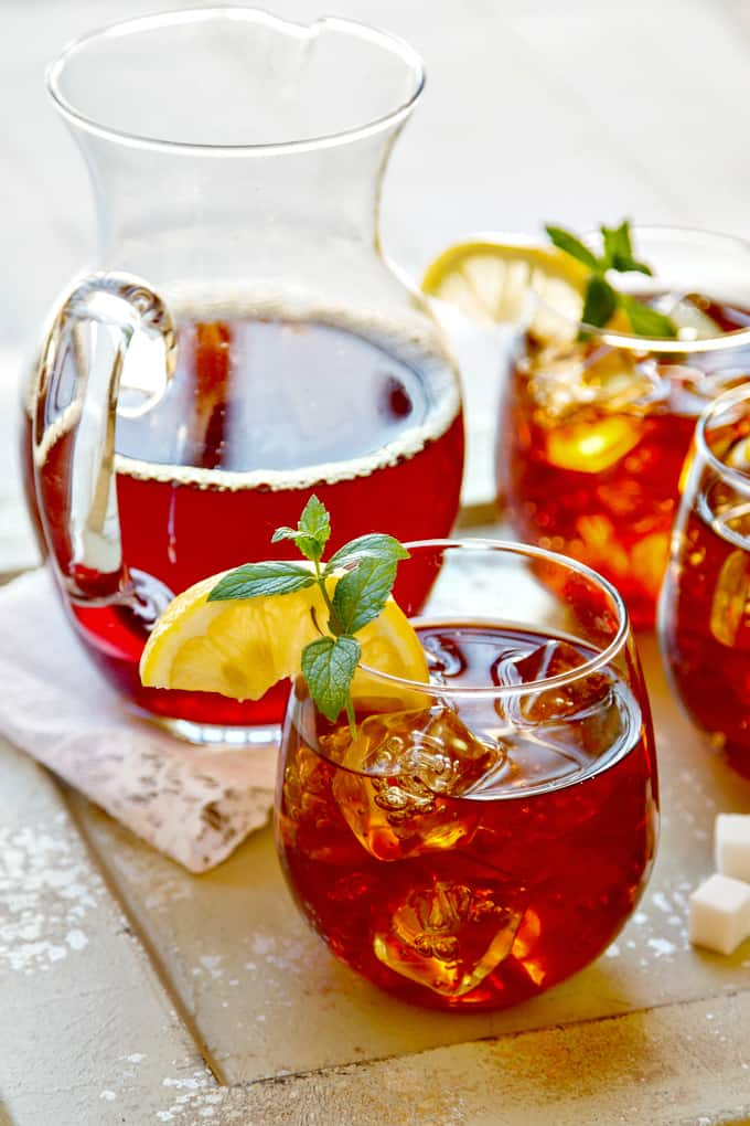 an easy summer sweet tea recipe that's perfect for cooling down on these hot summer days!