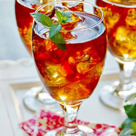 sweet tea with vodka & fresh mint