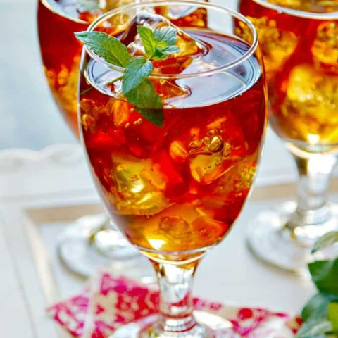 Sweet Tea Cocktail with Vodka & Fresh Mint