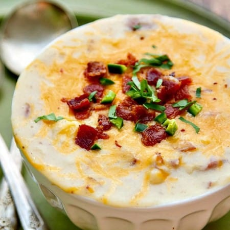 Loaded Potato Soup – Creamy Cheese, Bacon and Jalapeño