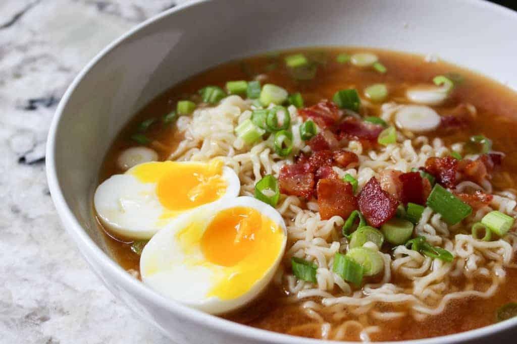 Bacon and Eggs Ramen - Click for 20 more easy Ramen Noodle Recipes!