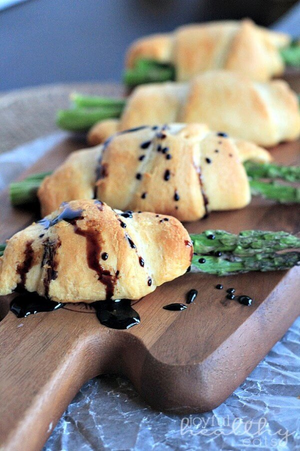 Asparagus Rollups with a Balsamic Drizzle - plus a collection of both sweet and savory recipes using Crescent Roll dough!