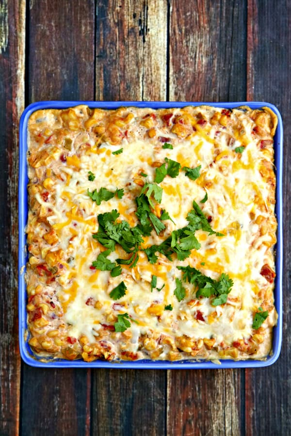 Cheesy, gooey and so tasty - but with loads of crunchy, sweet , fresh summer corn! This Hot Mexican Corn Dip is THE summer dip!
