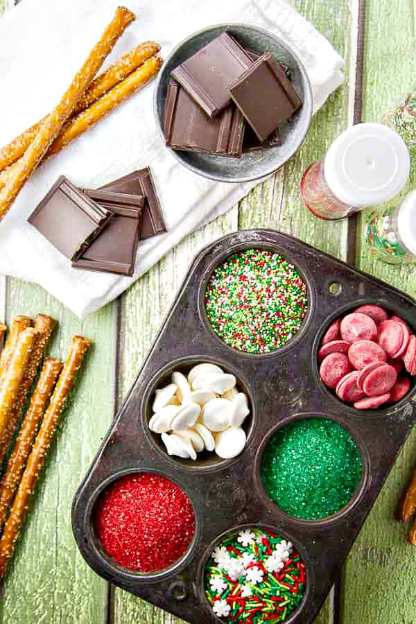 Christmas Pretzel Rods.Chocolate Covered Pretzel Rods The Wicked Noodle