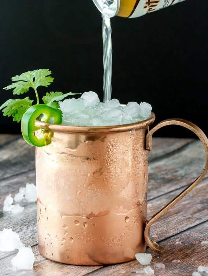 A refreshing twist on a classic drink! The Mexican Mule PLUS 12 more creative Moscow Mule variations!