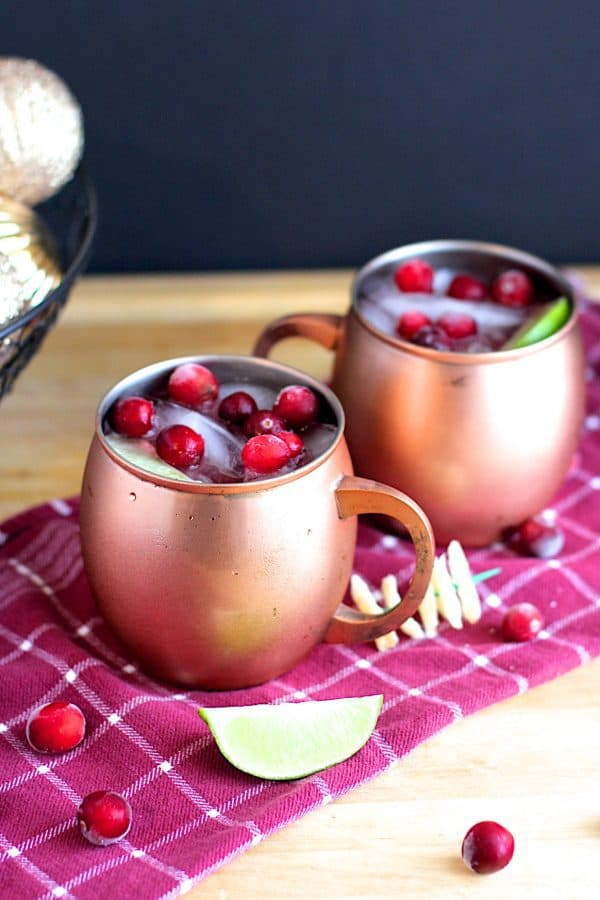A refreshing twist on a classic drink! Cranberry Vanilla Mule PLUS 12 more creative Moscow Mule variations!
