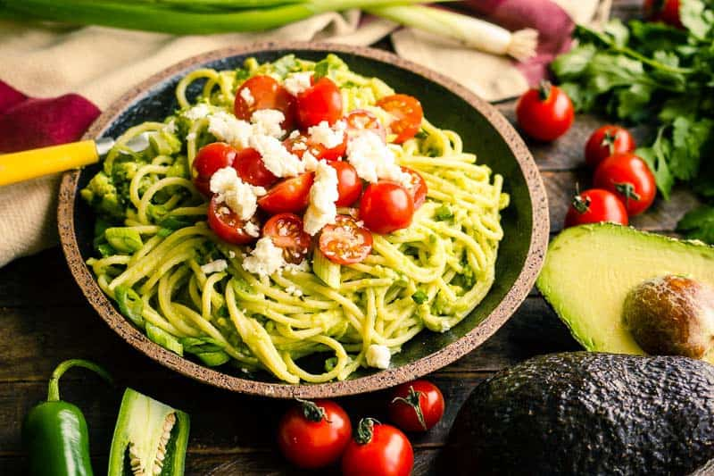TEN MINUTES TO DINNER - no, really!! And this Spicy Avocado Pasta tastes amazing, too!