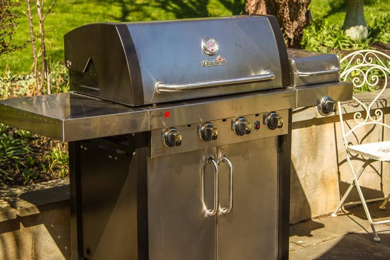 Char-Broil's Commercial Series TRU-Infrared 3-Burner Gas Grill