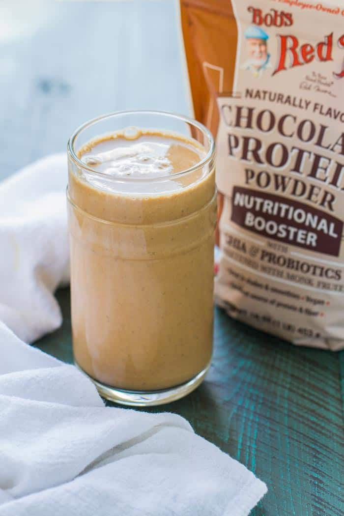 Banana, Chocolate and Peanut Butter Smoothie - tastes like an ICE CREAM SHAKE but has good-for-you, low-calorie ingredients!