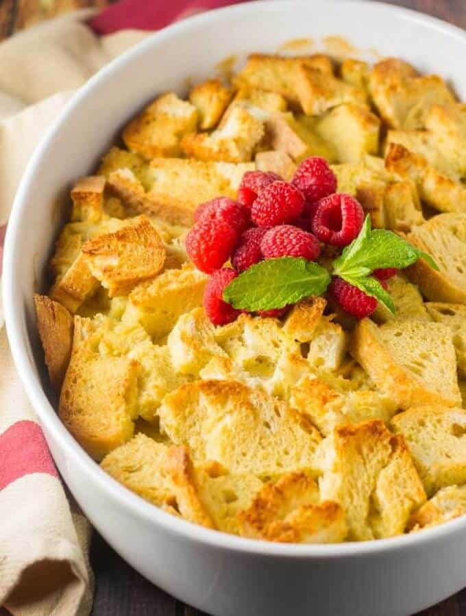 Overnight French Toast with Fresh Berries #raspberries #frenchtoast #easybreakfast #christmasmorning #breakfast casserole #frenchtoastcasserole