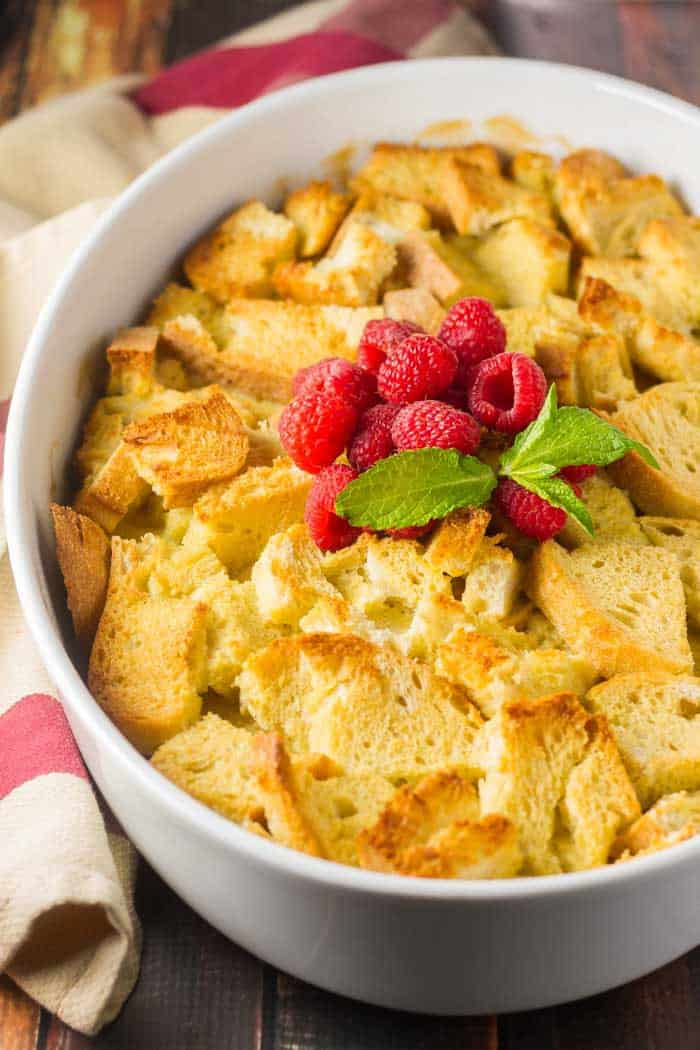 Overnight French Toast Bake with Fresh Berries #raspberries #frenchtoast #easybreakfast #christmasmorning #breakfast casserole #frenchtoastcasserole