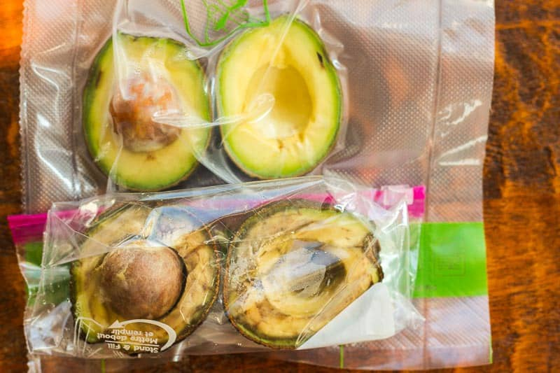 How to keep avocado from turning brown? A side-by-side comparison. Avocados after 4 days in the refrigerator: one saved via FoodSaver and the other in a plastic ziptop bag with as much air squeezed out as possible.