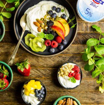 FAGE Greek Yogurt & Fresh Fruit