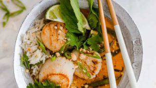Thai Curry with Scallops and String Beans