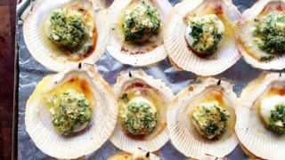 Oven-baked Scallops on the Shell